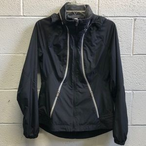 Lululemon black windbreaker w/hidden hood sz 6